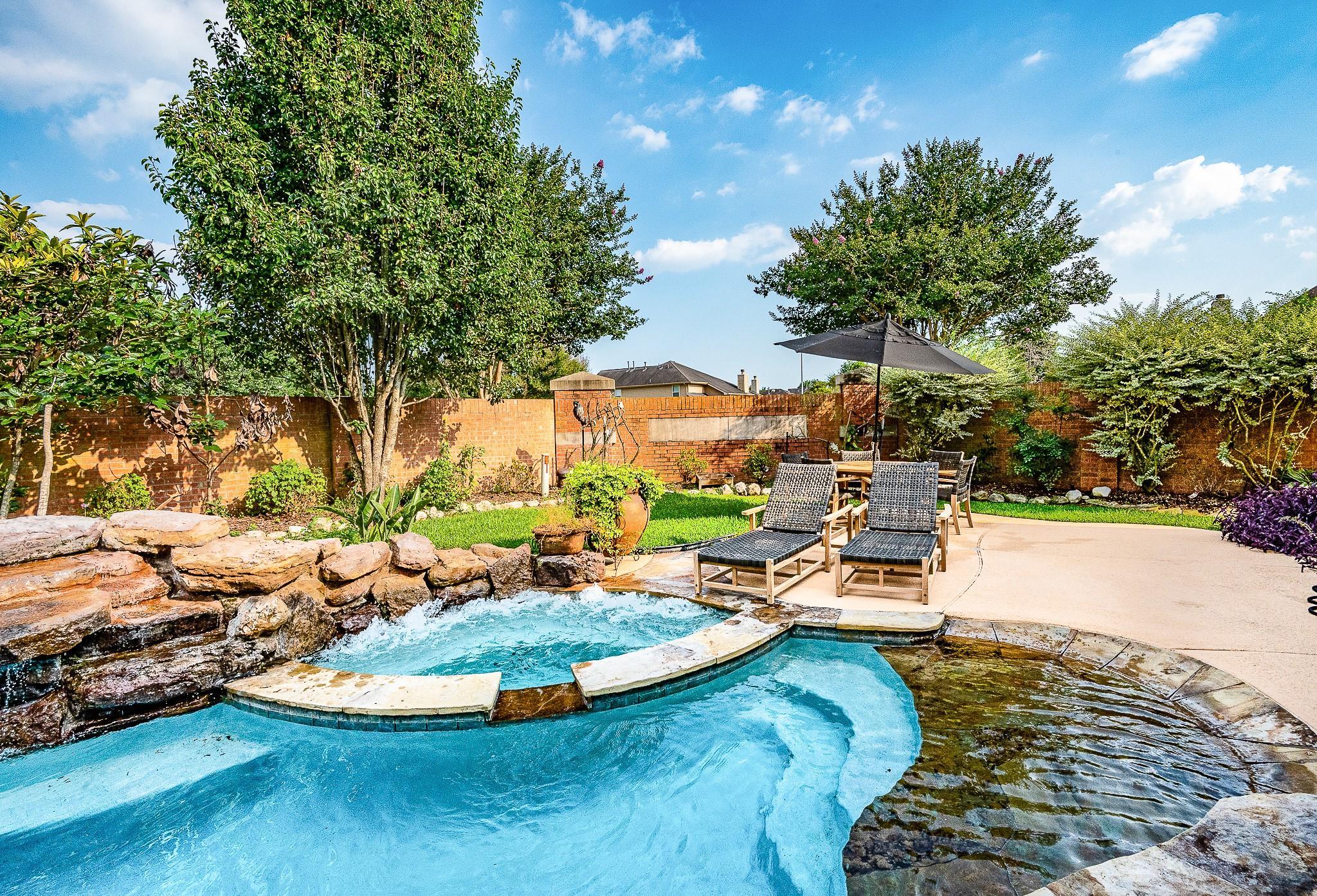 2411 Dry Bank Lane Property Photo 1