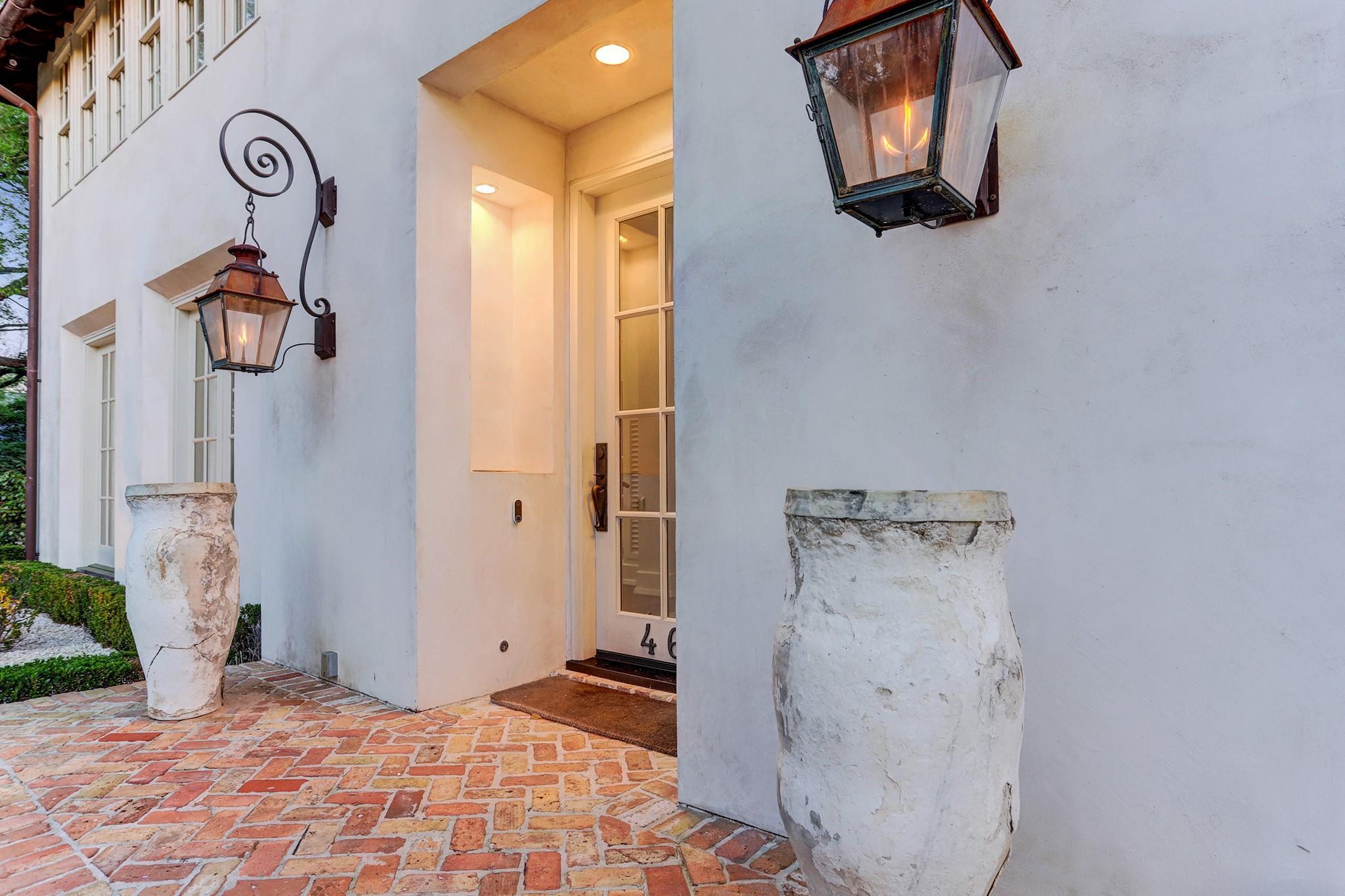 4603 Waring Street Property Photo