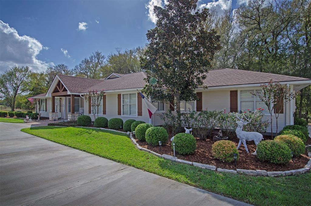 3226 Blue Bell Lane, Brenham, TX 77833 - Brenham, TX real estate listing