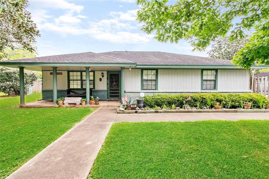219 Lee Avenue Property Photo - Jones Creek, TX real estate listing