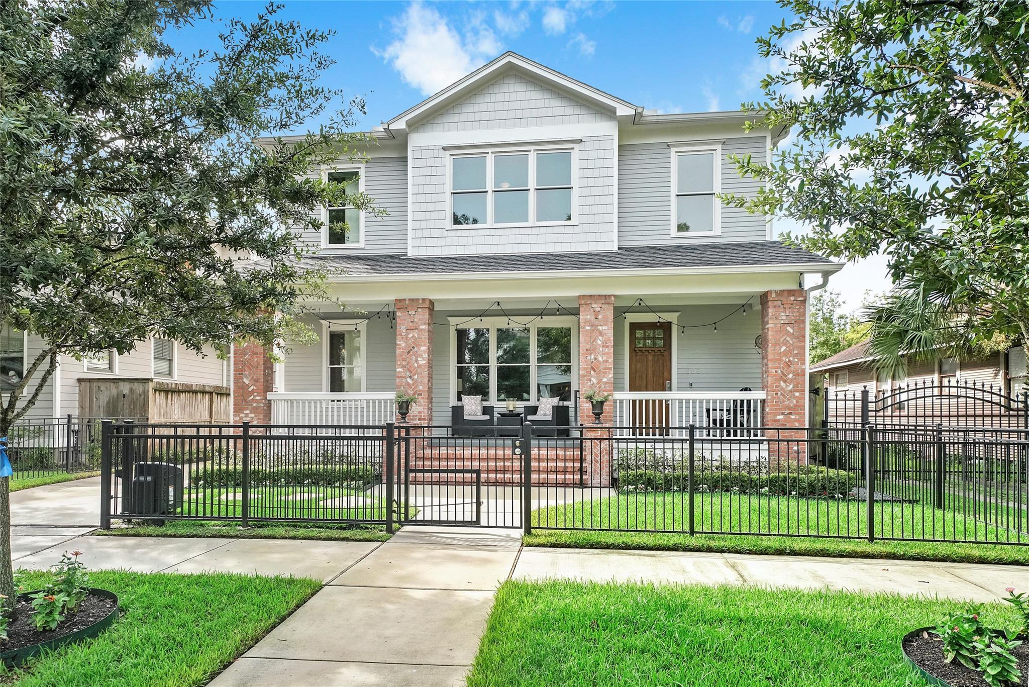 906 Woodland Street Property Photo - Houston, TX real estate listing