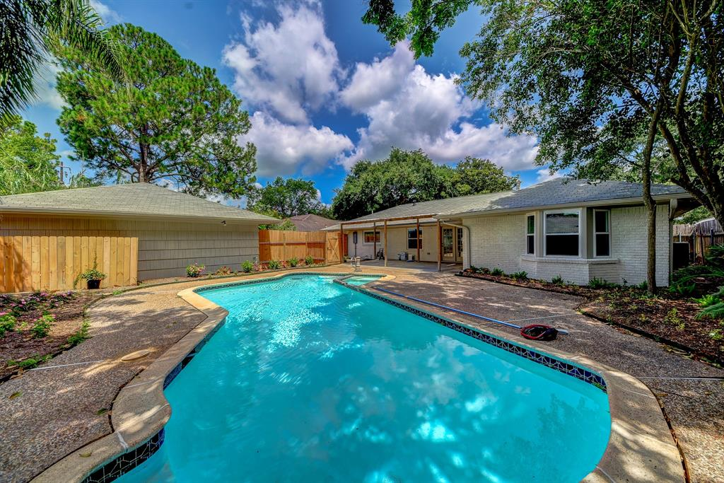 4309 Stillbrooke Drive Property Photo - Houston, TX real estate listing