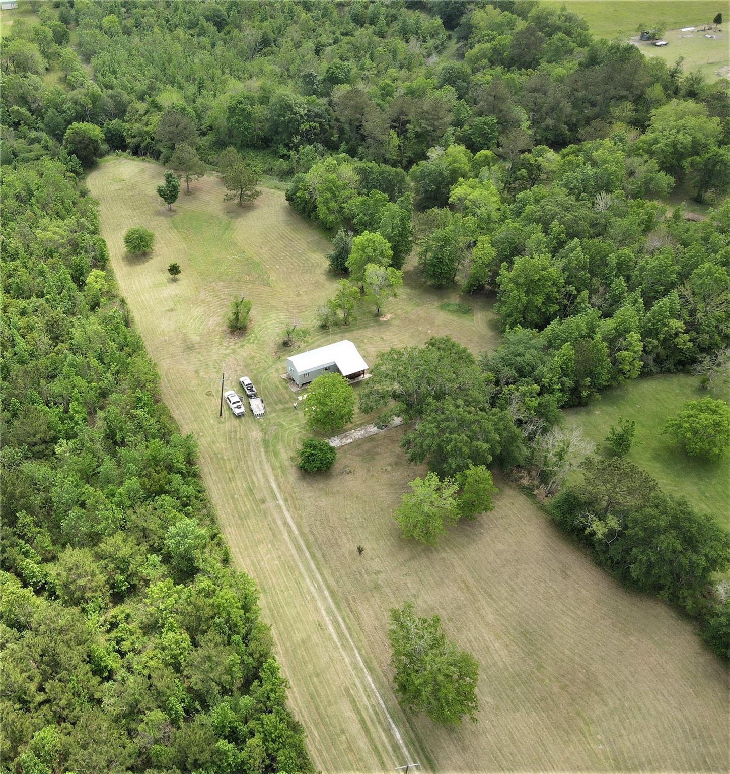 1621 Hankamer Loop Property Photo - Hankamer, TX real estate listing