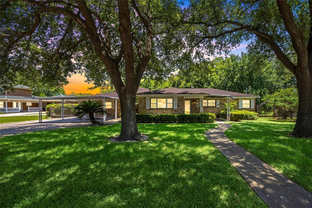 2109 Oklahoma Avenue Property Photo - Deer Park, TX real estate listing