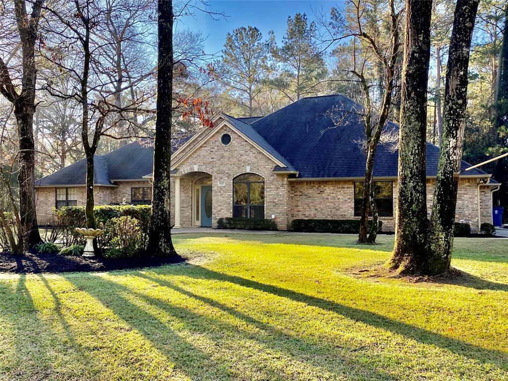 1125 W Wildwood Drive, Village Mills, TX 77663 - Village Mills, TX real estate listing
