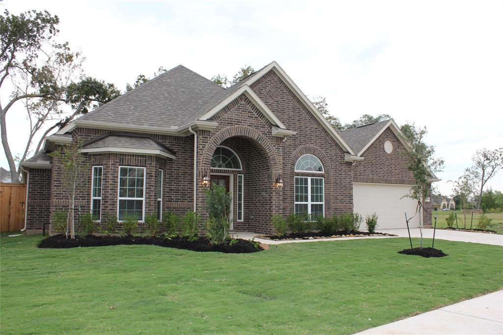 403 Bentwood Way, Clute, TX 77531 - Clute, TX real estate listing