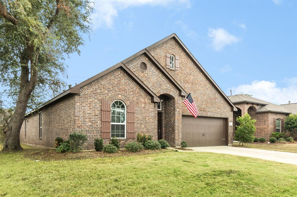 201 Meadow Ridge Way, Clute, TX 77531 - Clute, TX real estate listing
