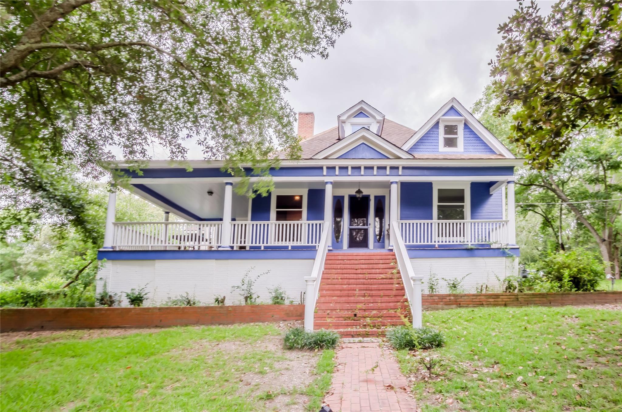 704 Virginia Avenue Property Photo