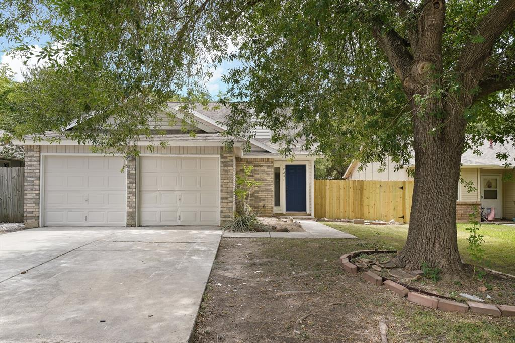 724 Meadow Gate Property Photo - Converse, TX real estate listing