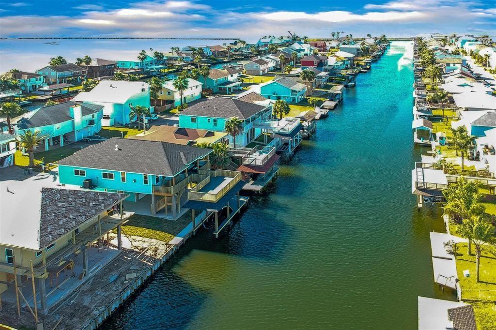 1139 Sailfish Street Property Photo - Bayou Vista, TX real estate listing