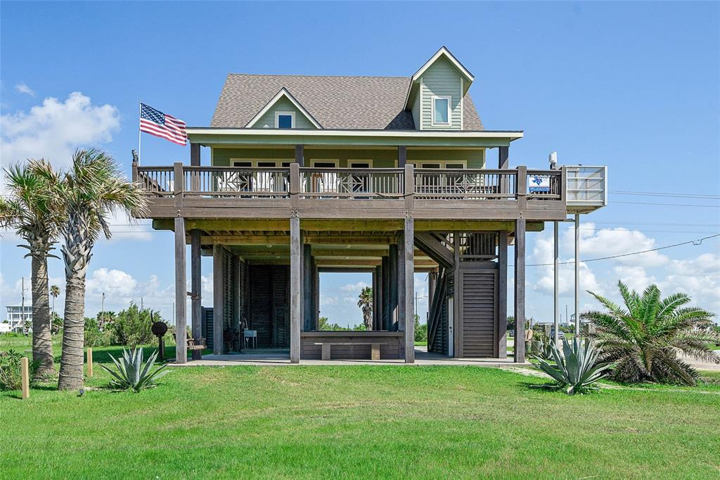 997 Austin Drive Property Photo - Crystal Beach, TX real estate listing
