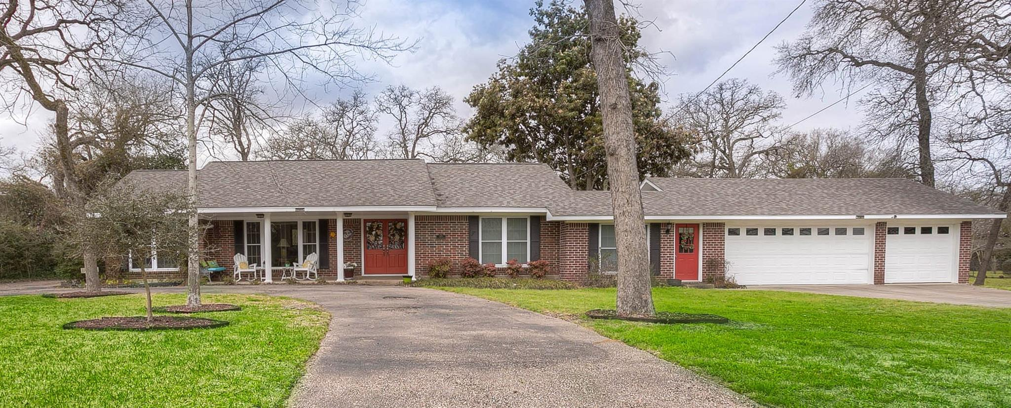 145 Golfview Drive Property Photo - Hilltop Lakes, TX real estate listing