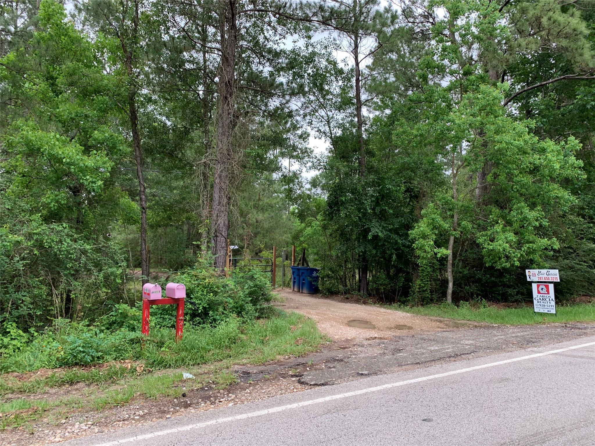 16015 Creighton Road Property Photo 1