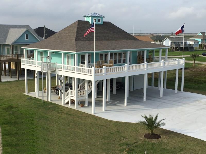 3481 Smith's Point, Crystal Beach, TX 77650 - Crystal Beach, TX real estate listing