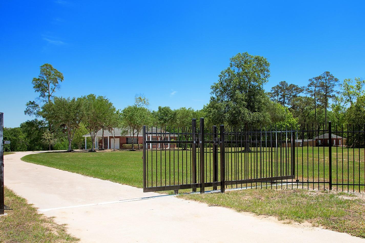 15170 Meadow Glen S Property Photo 1