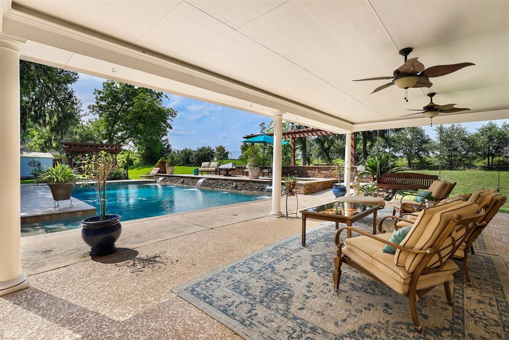 15900 Oleta Lane Property Photo - Sugar Land, TX real estate listing