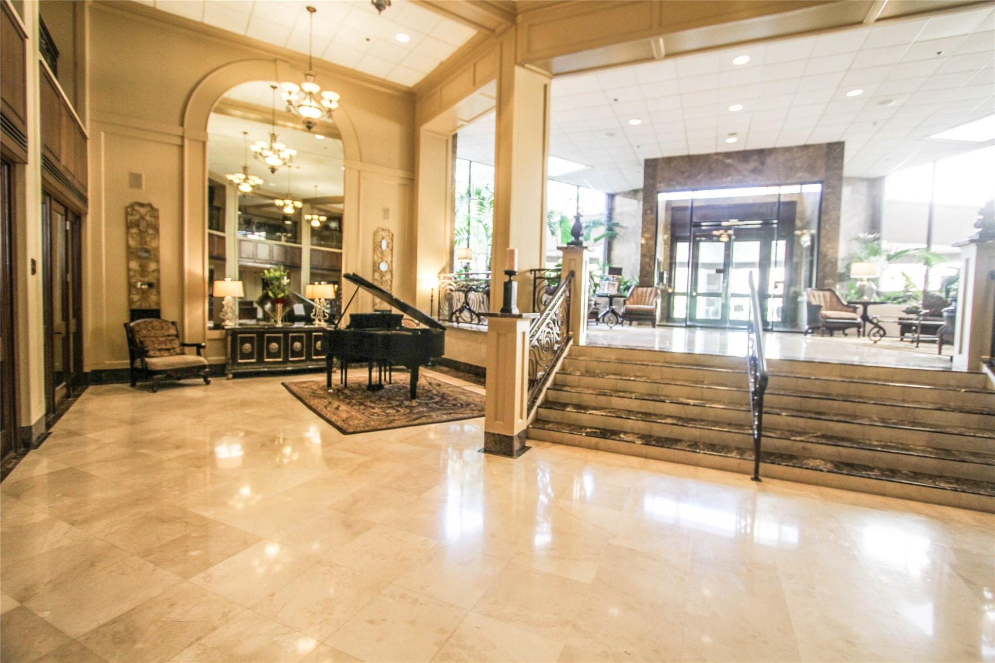 3525 Sage Road #908 Property Photo - Houston, TX real estate listing