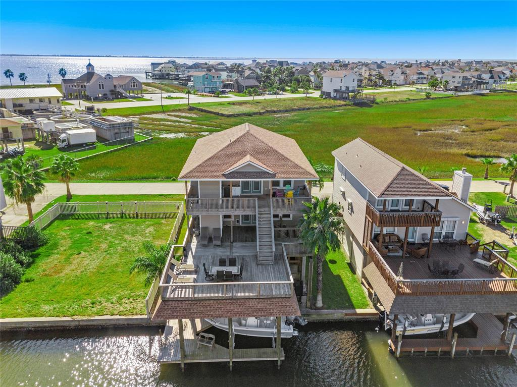 406 Windward Way, Tiki Island, TX 77554 - Tiki Island, TX real estate listing