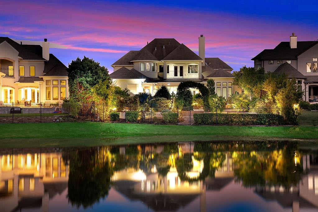 10 Broadwater Court, The Woodlands, TX 77381 - The Woodlands, TX real estate listing