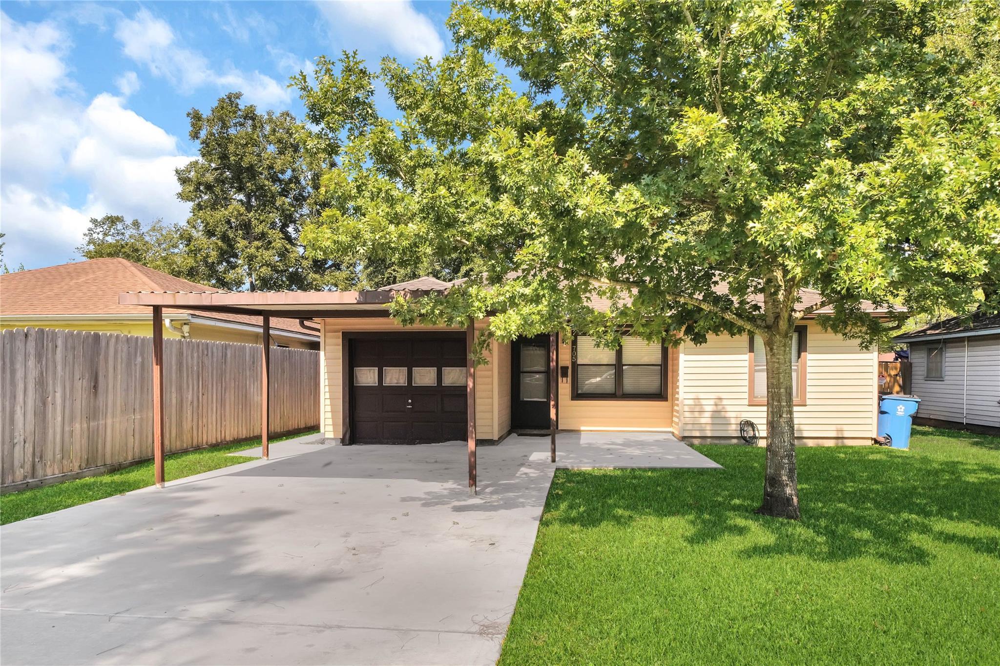 705 Washington Street Property Photo - South Houston, TX real estate listing