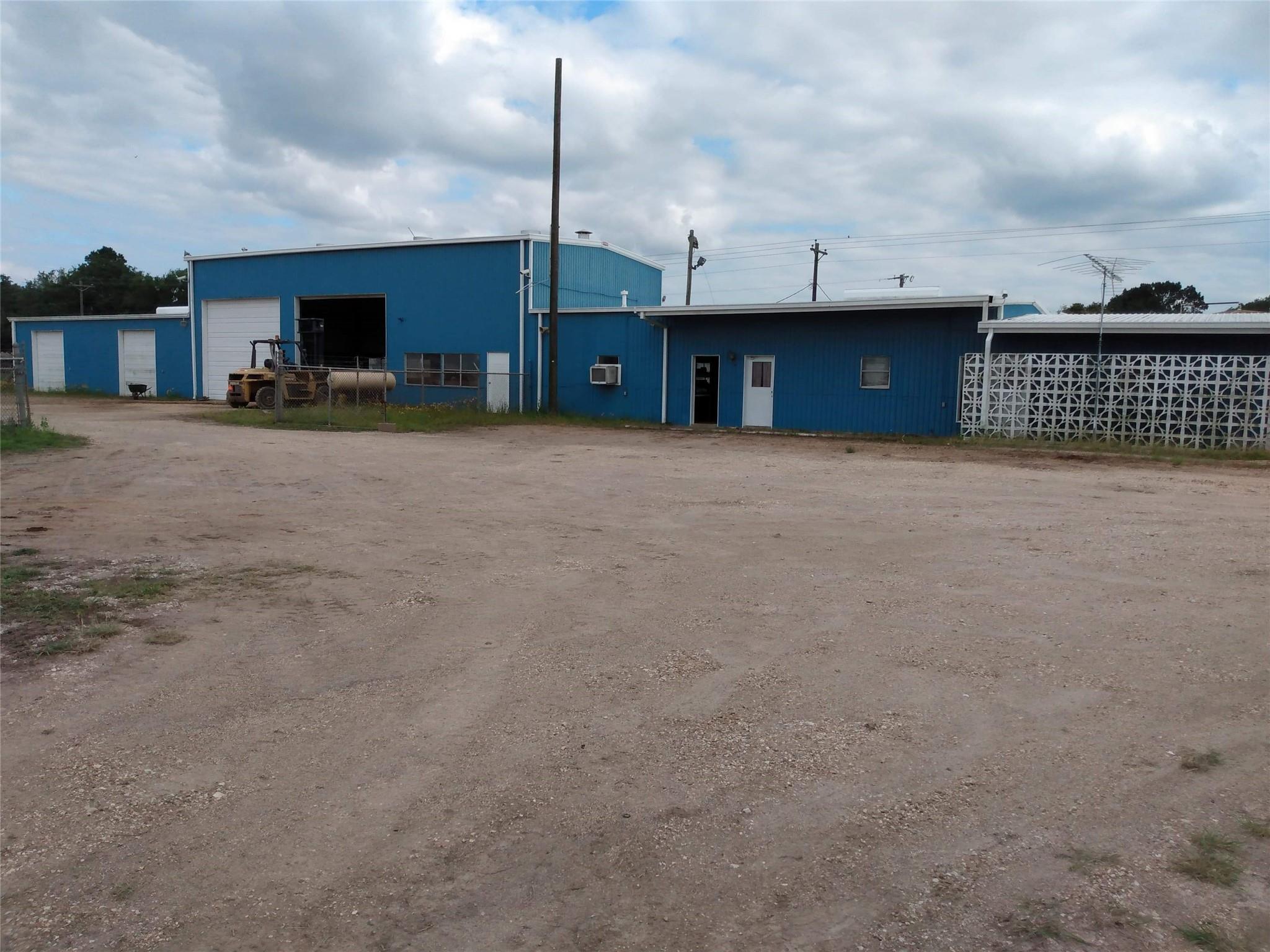 413 S Meadow Lane Property Photo