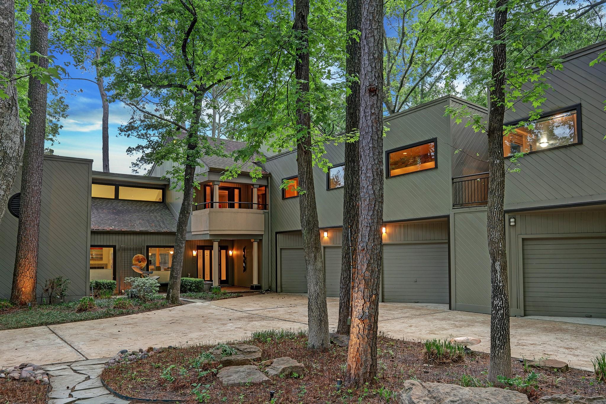 638 Voss Road Property Photo - Hunters Creek Village, TX real estate listing