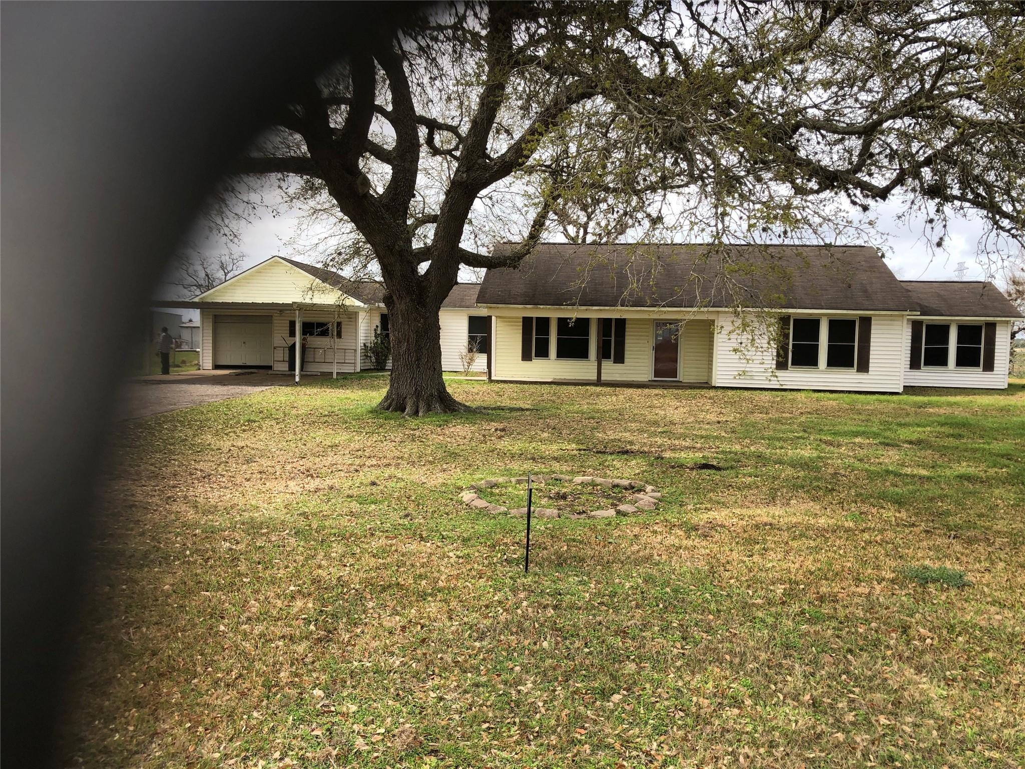12418 Fm 1994 Road Property Photo - Guy, TX real estate listing