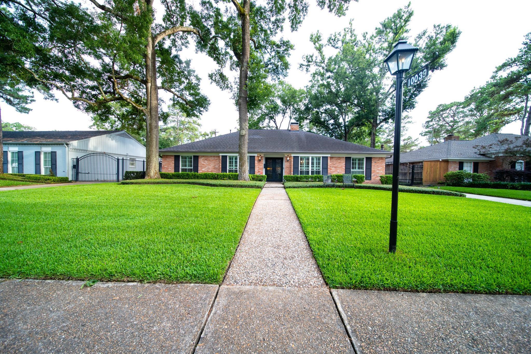 10039 Bordley Drive Property Photo 1