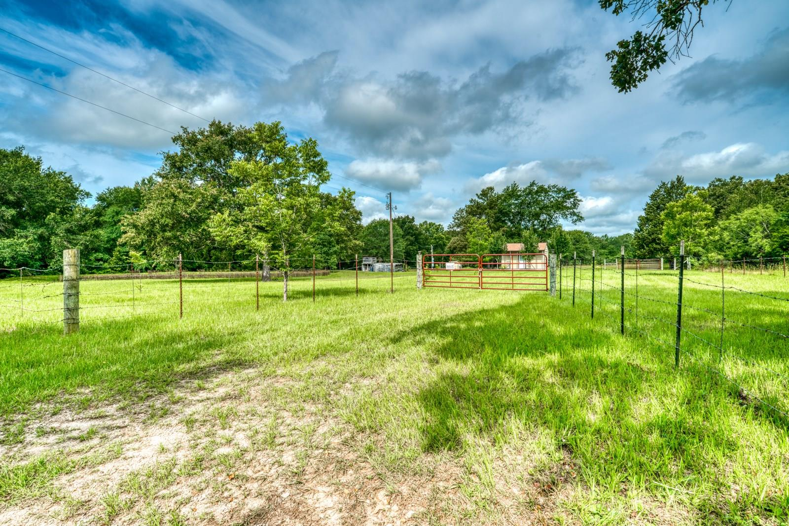 8615 Lewis Lane Property Photo - Midway, TX real estate listing