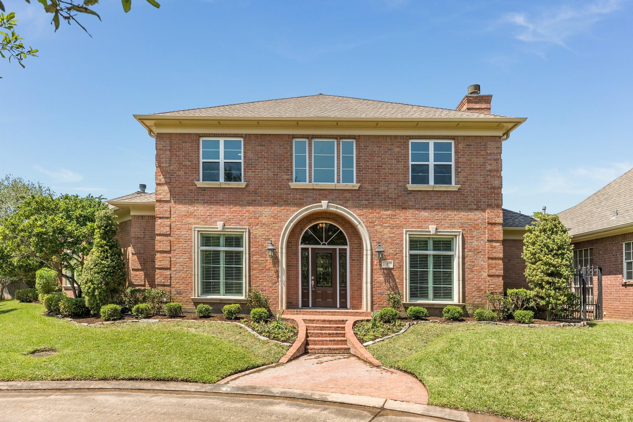 1 Heritage Oak Court Property Photo - Lake Jackson, TX real estate listing