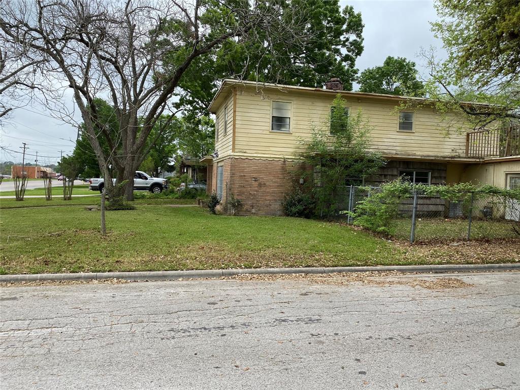 1209 N Park Property Photo