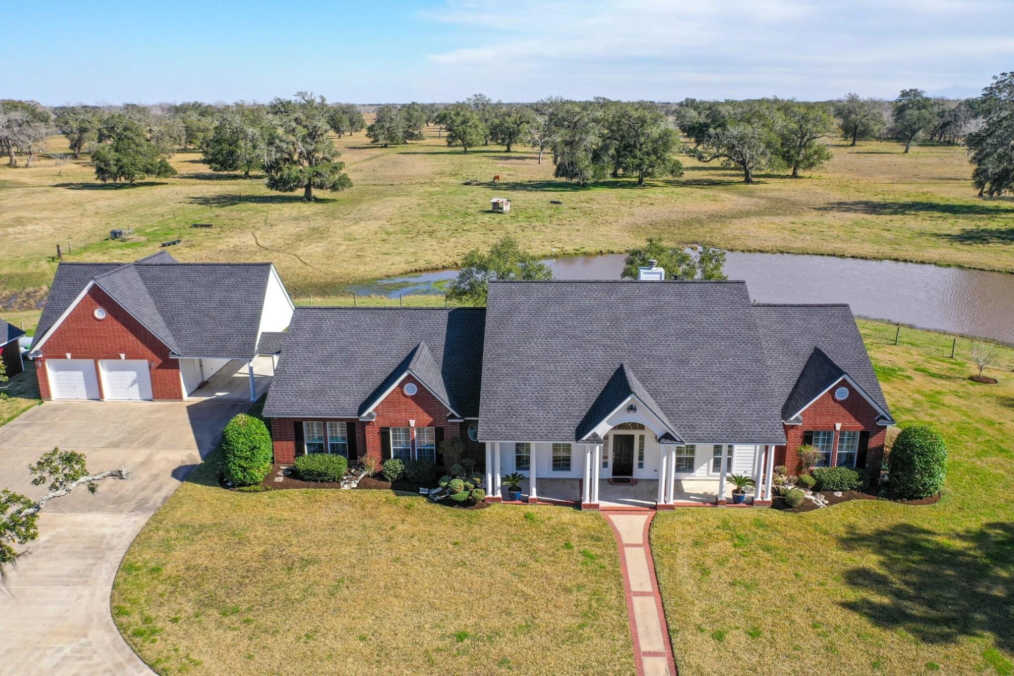 8607 County Road 628 Property Photo - Brazoria, TX real estate listing