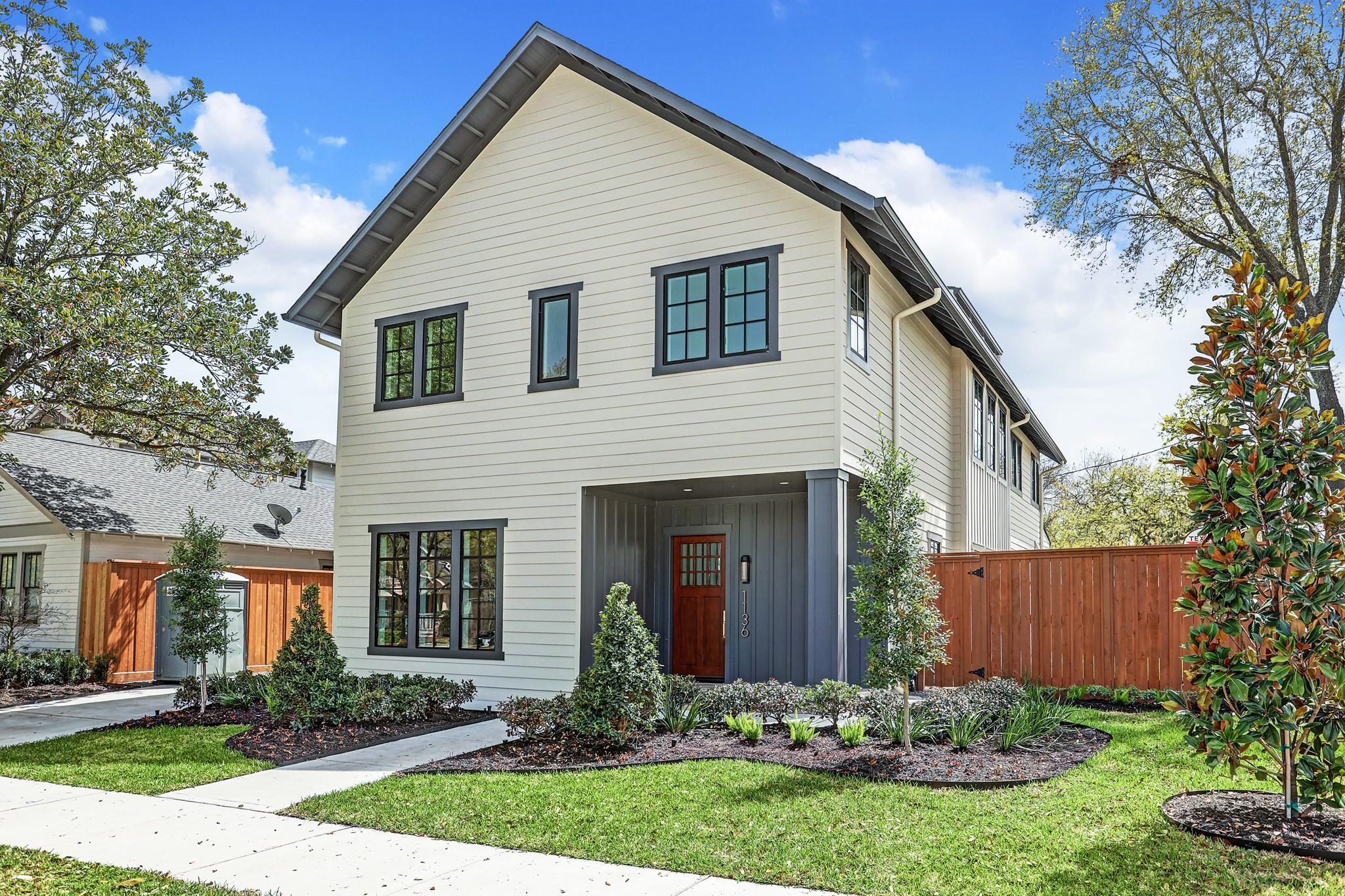 1136 Woodland Property Photo - Houston, TX real estate listing