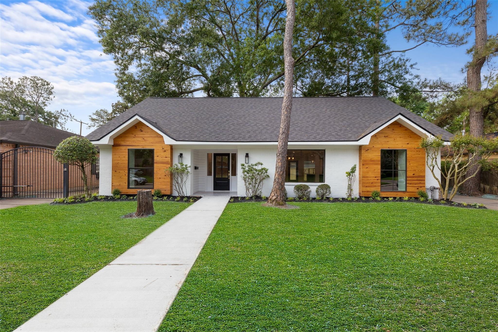 10019 Olympia Drive Property Photo 1