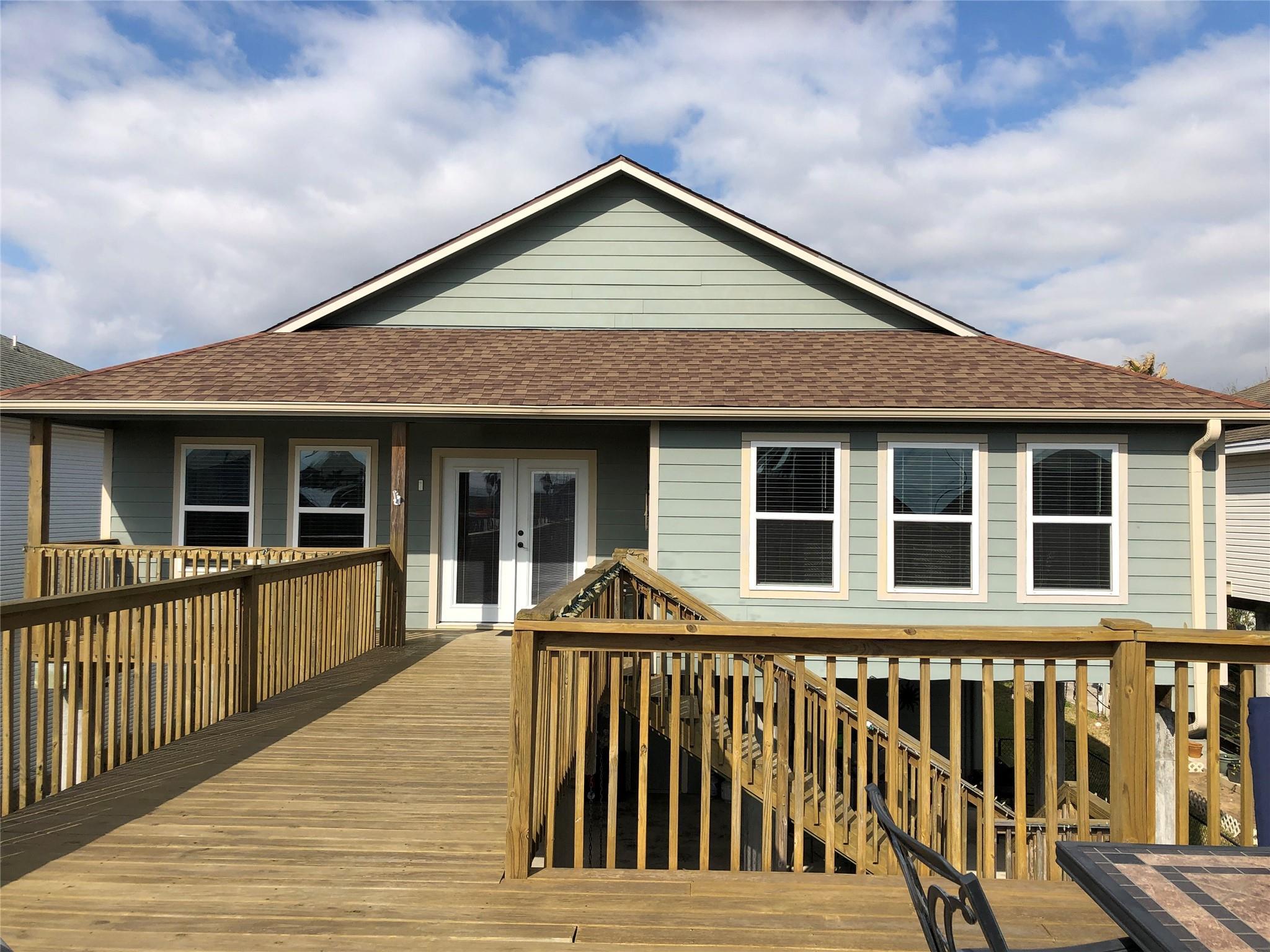 17 N Sandpiper Street Property Photo - La Marque, TX real estate listing