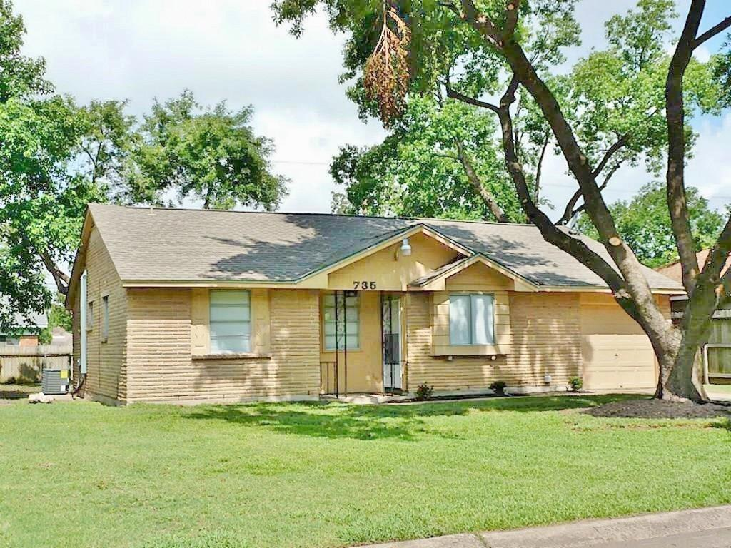 735 Knob Hollow Street Property Photo - Channelview, TX real estate listing