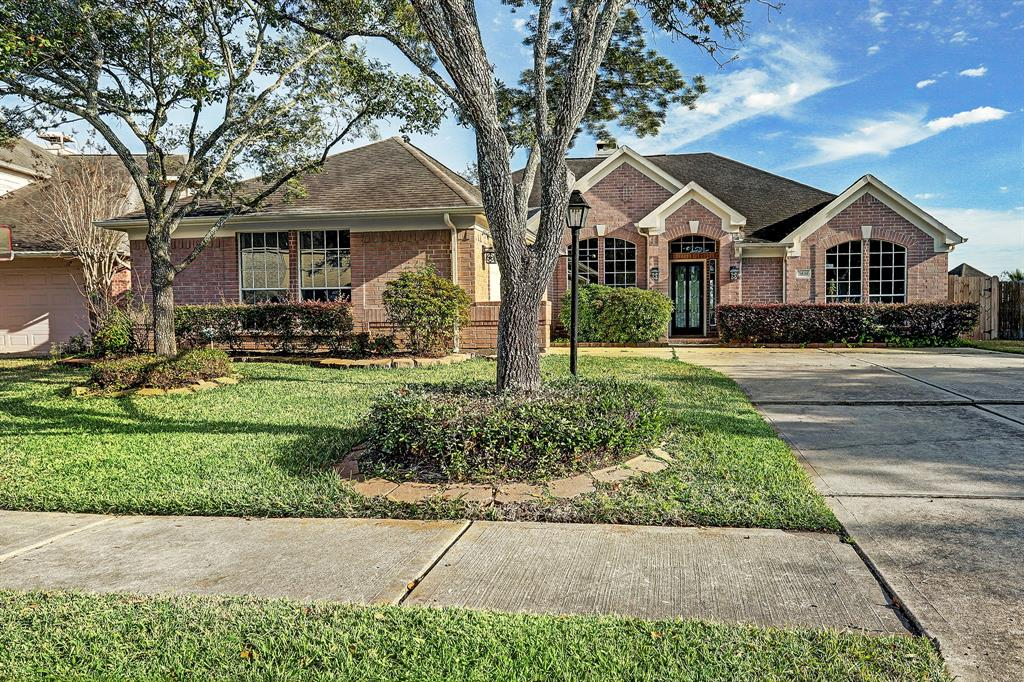 3839 Shadow Trace Circle, Houston, TX 77082 - Houston, TX real estate listing