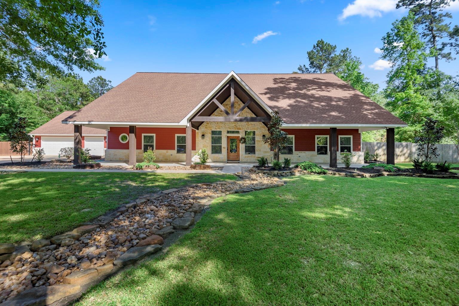 2118 Palmer Oaks Drive Property Photo - Huffman, TX real estate listing
