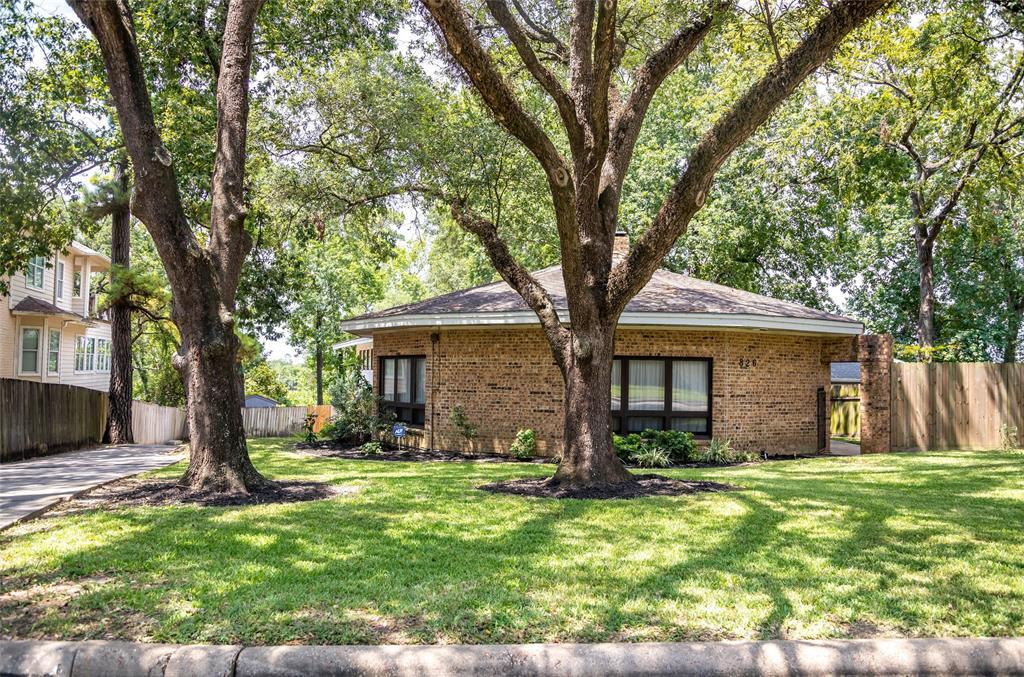 826 Houston Street, Highlands, TX 77562 - Highlands, TX real estate listing