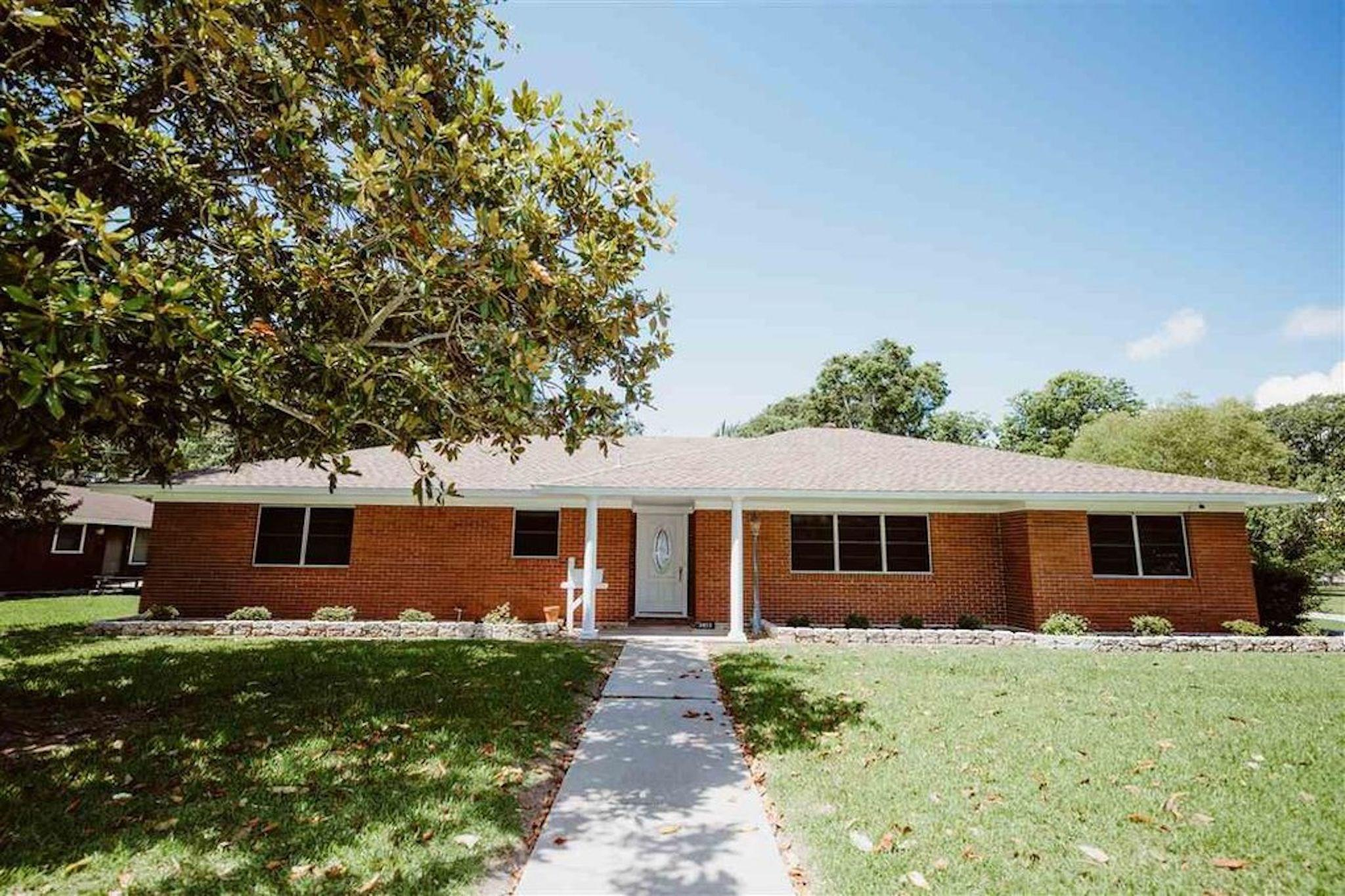 3413 Graves Avenue Property Photo - Groves, TX real estate listing