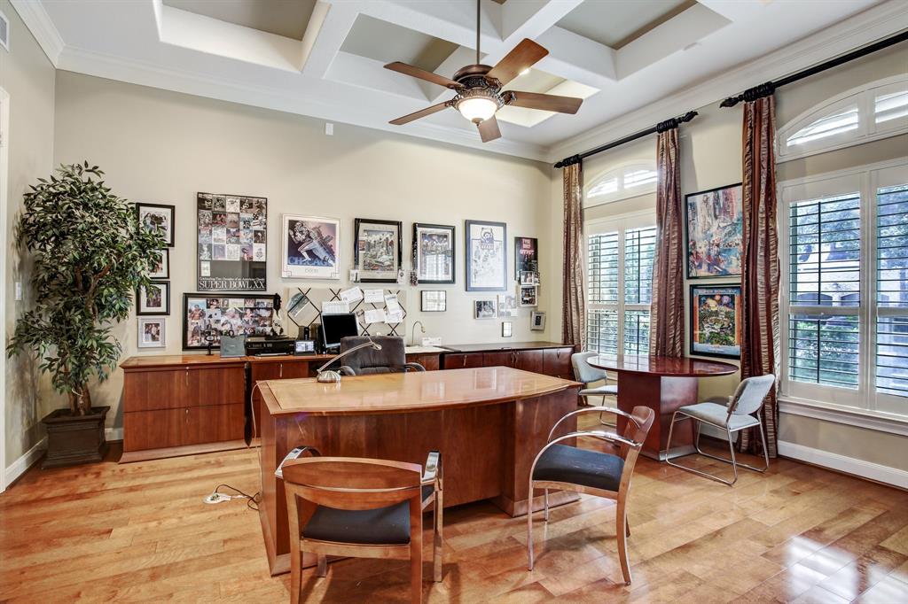 412 W Cowan Drive Property Photo - Houston, TX real estate listing