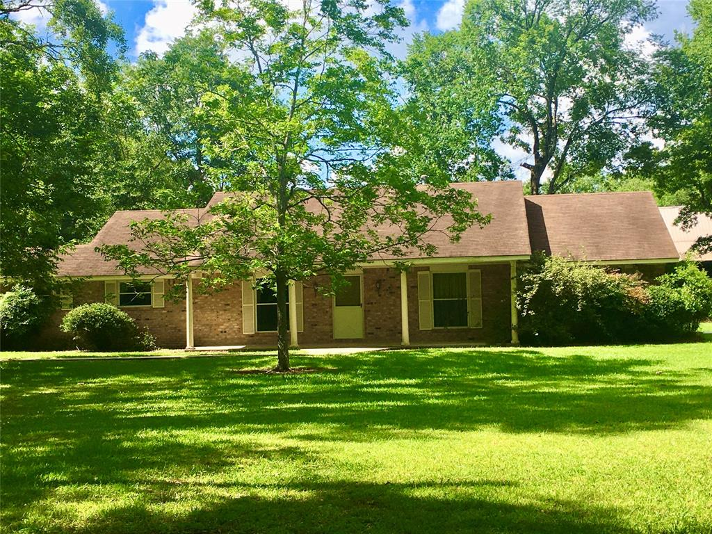 137 County Road 2419 Property Photo - Hull, TX real estate listing