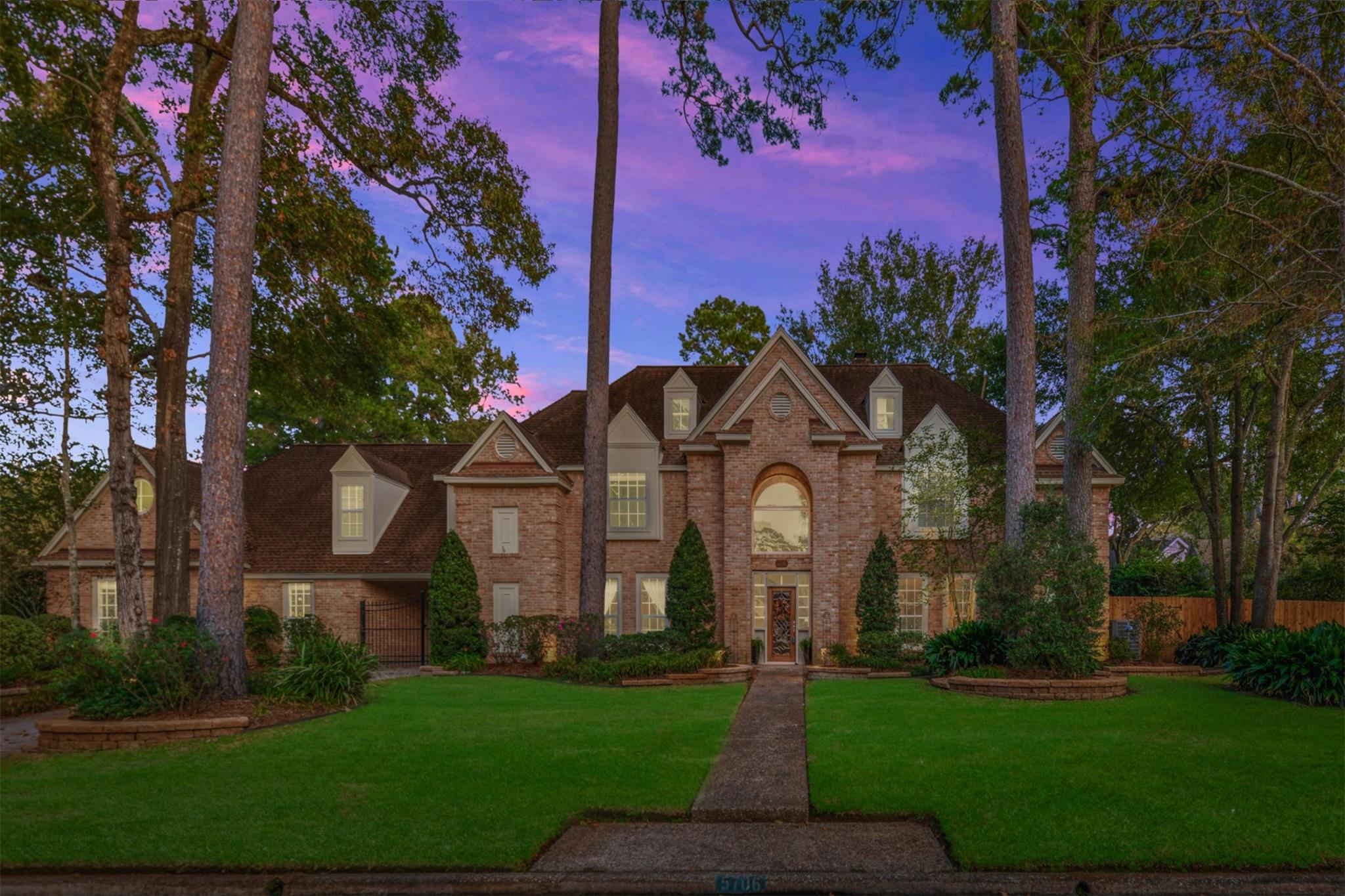 5706 Woodland Brook Drive Property Photo - Kingwood, TX real estate listing