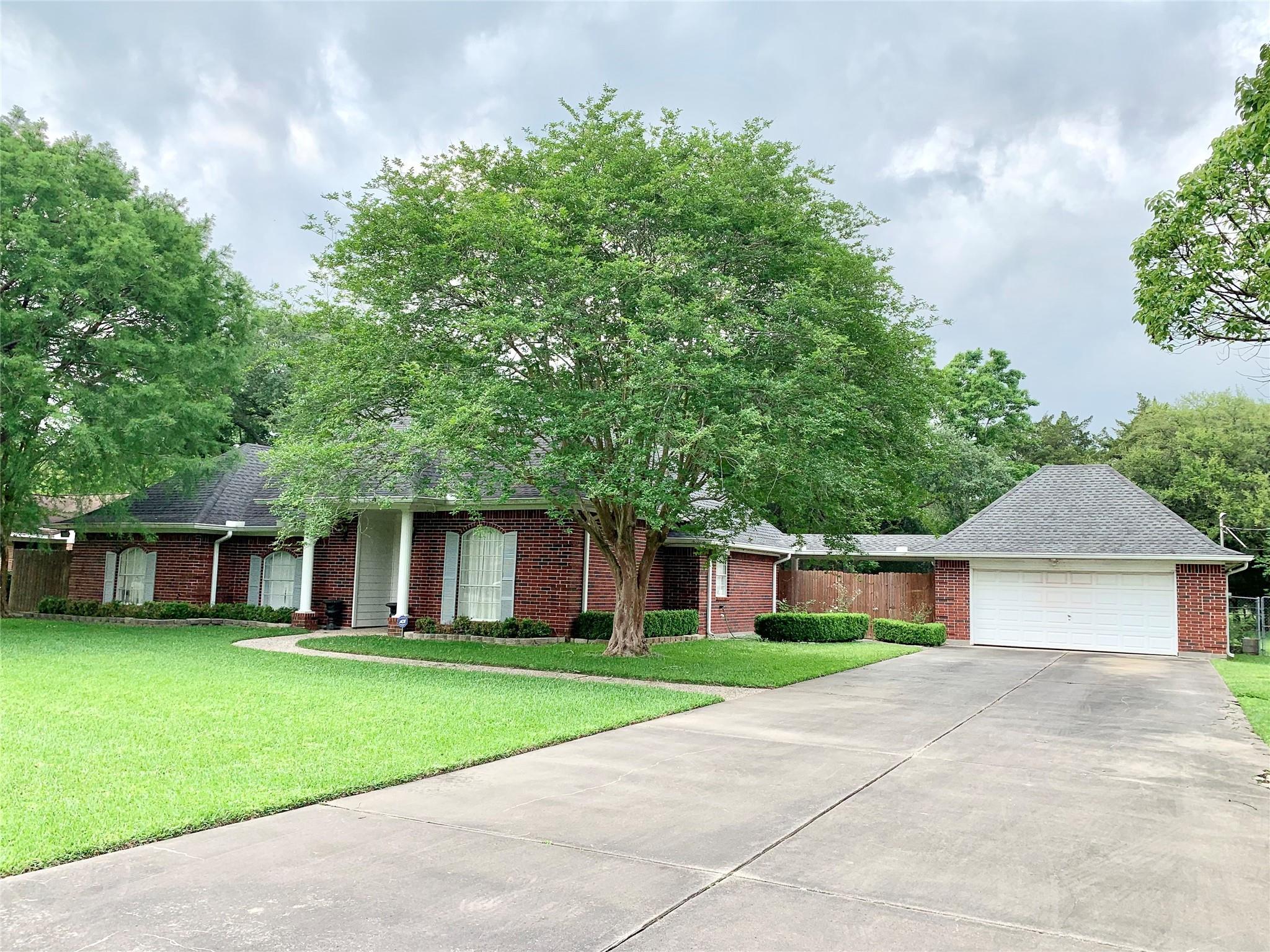 12018 10th Street Property Photo