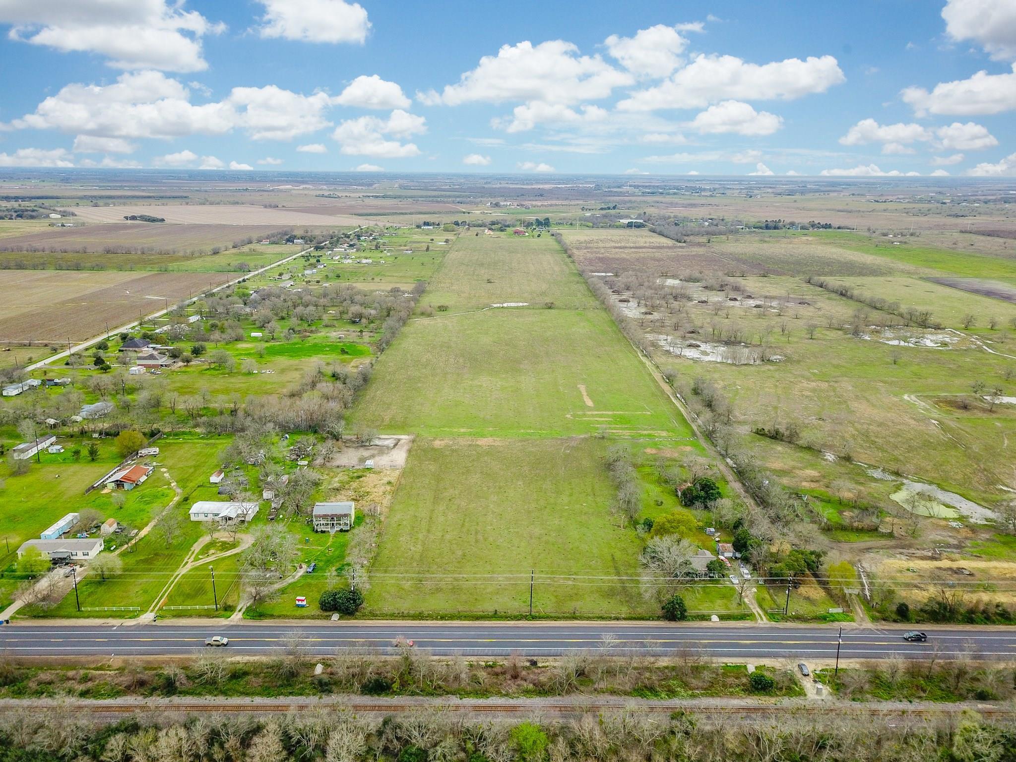 6027 HIGHWAY 90a Property Photo - Rosenberg, TX real estate listing