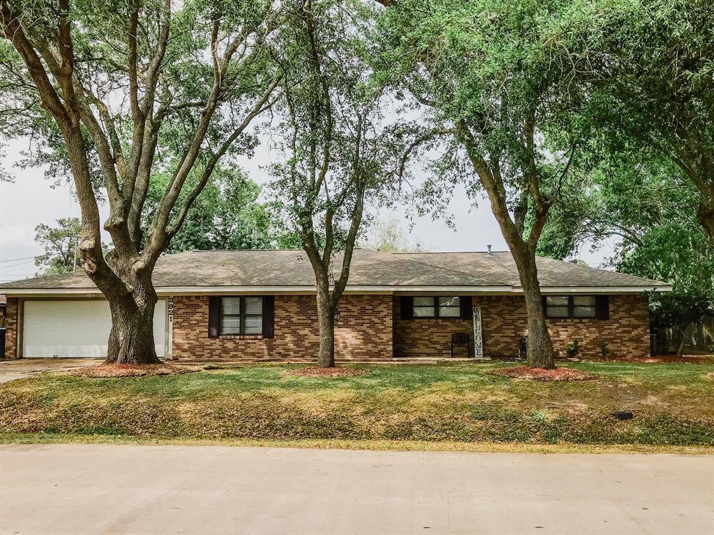 3921 Doris Street Property Photo - Bay City, TX real estate listing