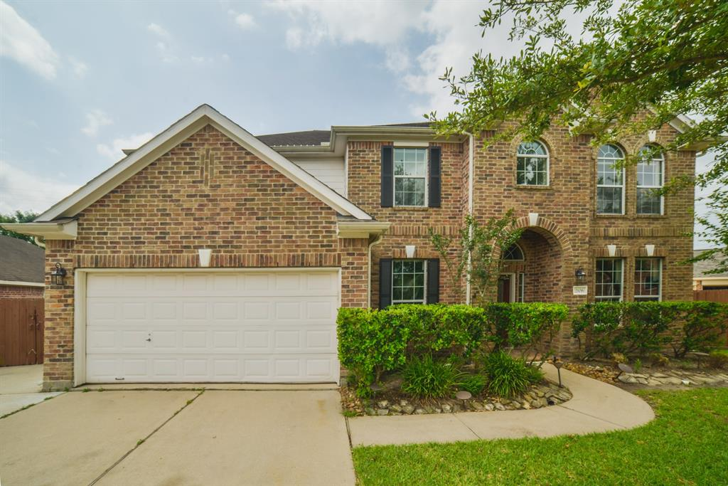 2106 Canyon Lake Drive Property Photo - Deer Park, TX real estate listing