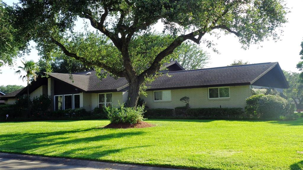 1533 19th Avenue N Property Photo - Texas City, TX real estate listing