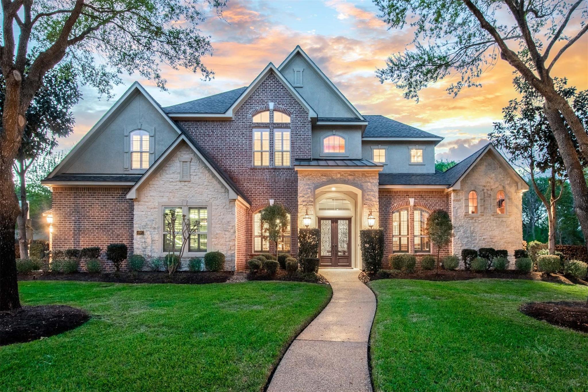4923 Rose Canyon Ln Property Photo