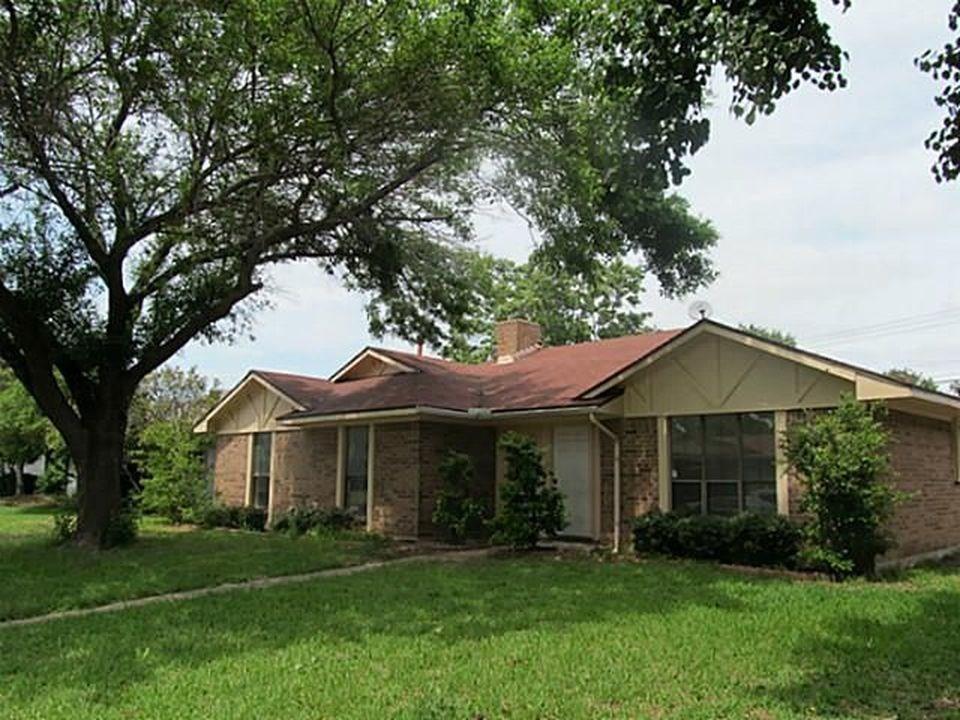 2721 Green Oaks Drive, Garland, TX 75040 - Garland, TX real estate listing